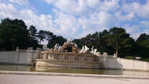 オーストリアシェーンブルン宮殿ネプチューンの泉