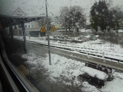 フッセン駅4月
